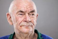 Portrait eines älteren Mannes lizenzfreie stockfotografie