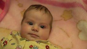 Portrait eines überraschten Babys 4K UltraHD, UHD stock video footage