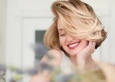 Portrait eines blonden Mädchens Lizenzfreies Stockfoto