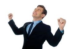 Portrait eines erfolgreichen Geschäftsmannes, Sieger lizenzfreie stockfotos