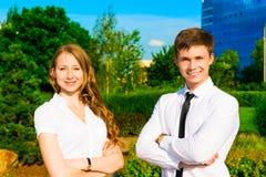 Portrait eines Geschäftsmannes und der Geschäftsfrau Lizenzfreies Stockfoto