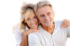 Portrait eines glücklichen romantischen Paares stockbild