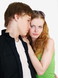 Portrait eines jungen Jugendpaarlächelns lizenzfreie stockfotos