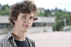 Portrait eines jungen Jungen Stockfoto
