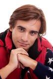 Portrait eines jungen Mannes, im Herbst/im Winter kleidet lizenzfreies stockbild