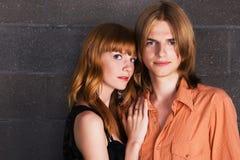 Portrait eines jungen Paares Stockfotos