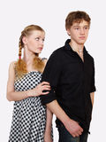 Portrait eines jungen Paares in den Problemen lizenzfreie stockfotos