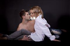 Portrait eines jungen schönen Paares Stockbilder