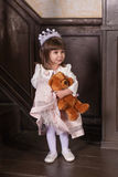 Portrait eines kleinen Mädchens lizenzfreies stockfoto