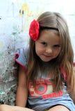 Portrait eines kleinen Mädchens der netten Art und Weise Lizenzfreie Stockfotografie