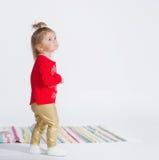 Portrait eines netten kleinen Mädchens Lizenzfreies Stockfoto
