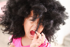Portrait eines netten kleinen Mädchens fünf Jahre alt Stockbilder