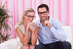 Portrait eines reizenden Paares Lizenzfreie Stockfotografie