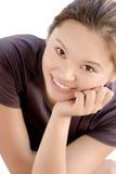 Portrait eines reizvollen östlichen Lächelns der jungen Dame Stockfoto