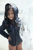 Portrait eines schönen Spielens des kleinen Mädchens Lizenzfreies Stockfoto