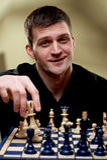 Portrait eines Schachspielers stockfotos