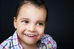 Portrait eines stattlichen Jungen Stockfotografie