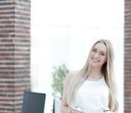 Portrait en gros plan d'une jeune femme élégante d'affaires Photo libre de droits