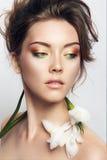 Portrait en gros plan de studio de belle femme Images stock