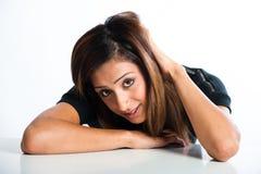 Portrait en gros plan jeune de modèle indien asiatique frais et beau Image libre de droits
