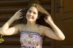 Portrait extérieur de la fille de 14 années Image stock