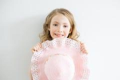 Portrait extérieur de petite fille d'été Images stock