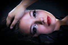 Portrait facial d'une jeune femme photographie stock libre de droits