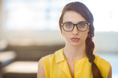 Portrait of female business executive standing Royalty Free Stock Photography
