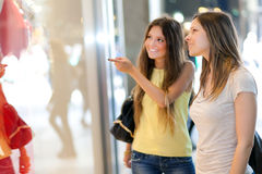 Portrait of female friends shopping together Royalty Free Stock Photos