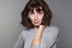 Portrait femelle de la femme 50s sexy Photos libres de droits