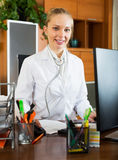 Portrait of friendly doctor in clinic interior Royalty Free Stock Photos