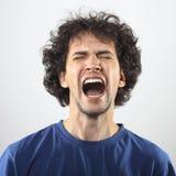 Portrait furieux de jeune homme Image libre de droits