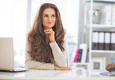 Portrait of happy business woman at work Royalty Free Stock Photos