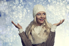 Portrait happy winter woman Royalty Free Stock Photography