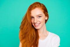 Portrait haut étroit de beau, doux, magnifique, gentil, renversant, photographie stock
