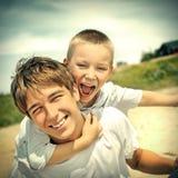 Portrait heureux de frères Photos libres de droits