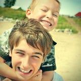Portrait heureux de frères Image stock
