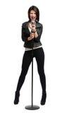 Portrait intégral de chanteur Rock avec la MIC Images stock