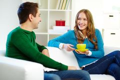 Couple chatting Royalty Free Stock Images