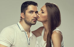 Portrait of kissing couple Royalty Free Stock Photos