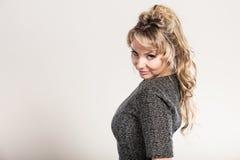 Portrait mûr attrayant de femme photos libres de droits