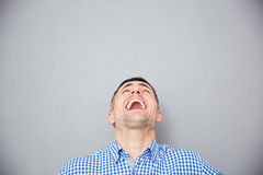 Portrait of a man screaming and looking up Royalty Free Stock Photos