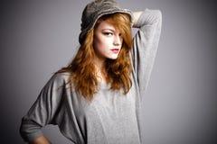 Portrait mit Hut stockfotos