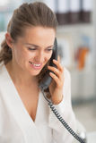 Portrait of modern business woman talking phone Royalty Free Stock Photos