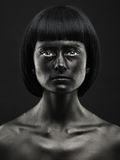 Portrait naturel d'une belle fille à la peau foncée Beauté noire photo stock