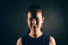 Portrait obscur clair photos libres de droits