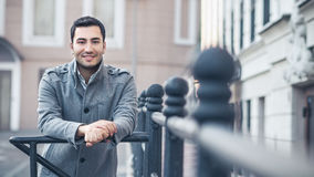 Portrait od smiling gorgeous young attractive man Royalty Free Stock Photography