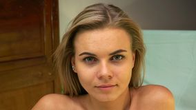 Free Portrait Of Beautiful Nude Girl Royalty Free Stock Images - 154822979