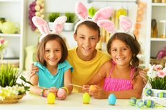 Free Portrait Of Little Brother And Sisters Painting Traditional Easter Eggs Royalty Free Stock Photography - 142870247