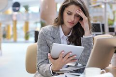 Free Portrait Of Tired Business Lady Working With Touchpad In Office Royalty Free Stock Photo - 147459605